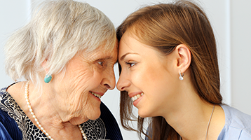 Elderly-Woman-with-Younger-Woman-Volunteer